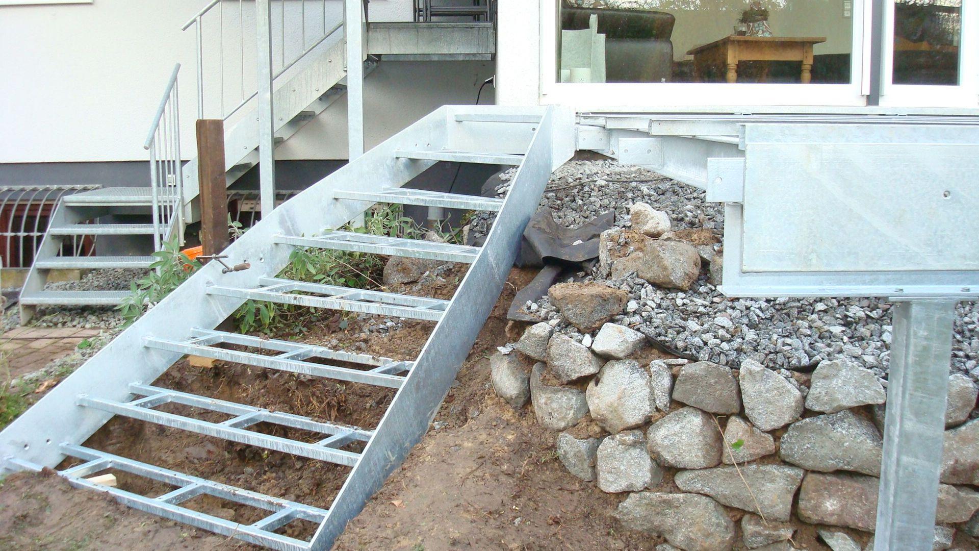 069--Balkon-Gelaender-Montage.JPG