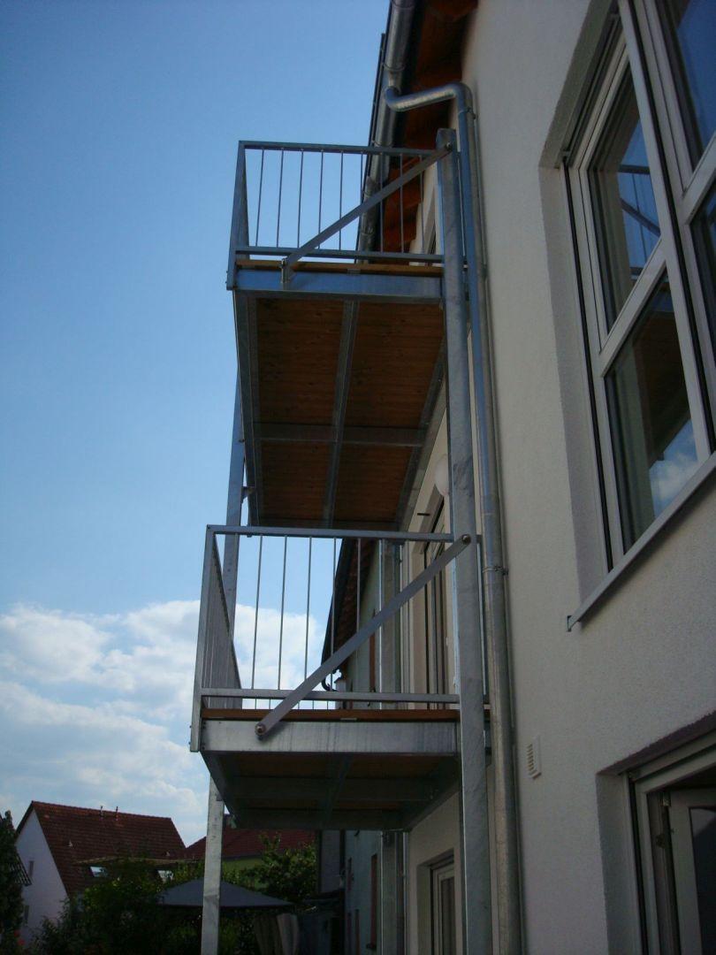213--Stahlbalkone.JPG