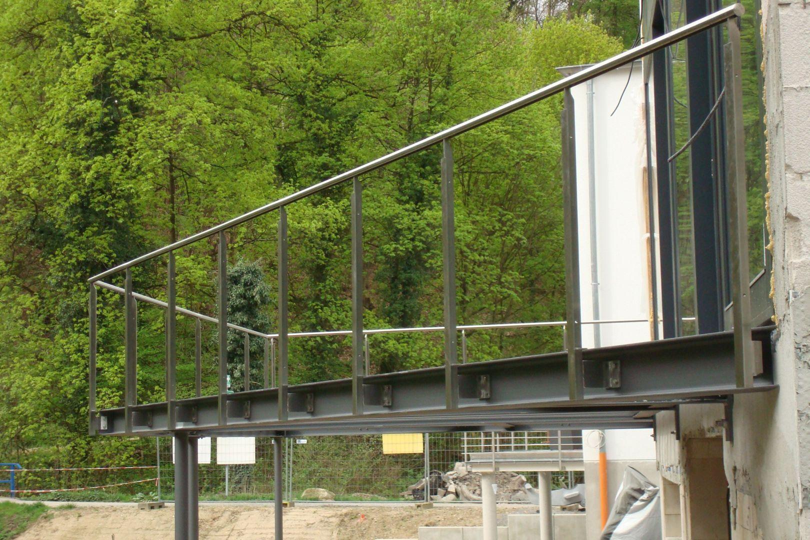 223--Stahlbalkone.JPG